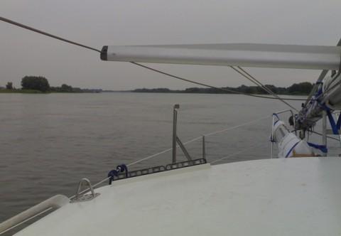 Tongji auf der Elbe