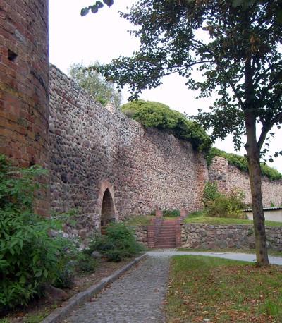 Gartz Stadtmauer Pulverturm