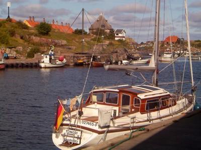 Tongji im Hafen von Christiansø
