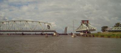 geöffnete Meiningen Drehbrücke