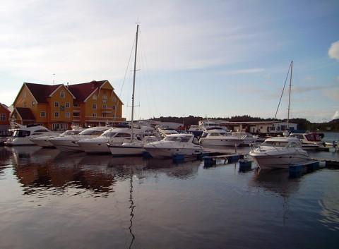 Florö Hafen