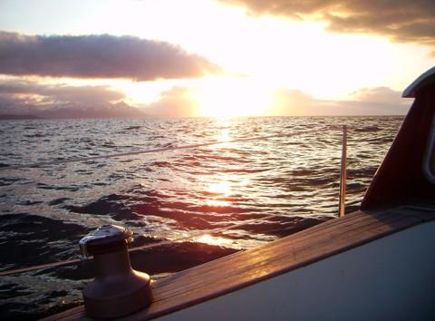 Tongji, Mitternachtssonne - Segeln Nordmeer