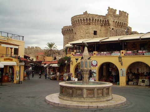 Eulen Brunnen in Rhodos