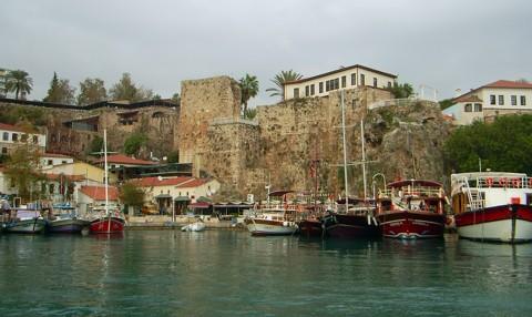 kein Platz für uns im Hafen Antalya