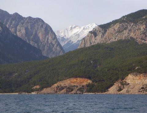 Schnee auf den Bergen