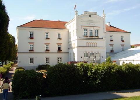 Tulln - Rathaus / Minoritenkloster