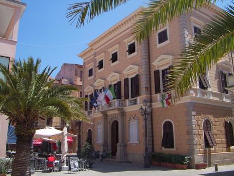 Rathaus - La Maddalena
