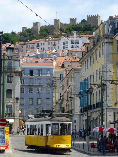 Lissabon - alte Straßenbahn - Castelo de São Jorge