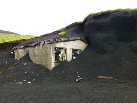 vom Vulkan 1973 verschüttet
