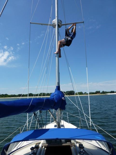mit Bootsmannstuhl im Mast