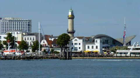 Warnemünde: Hotel Neptun, Leuchtturm, Teepott