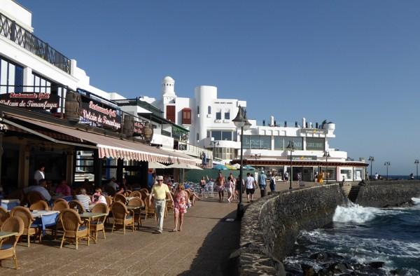 Promenade Playa Blanca