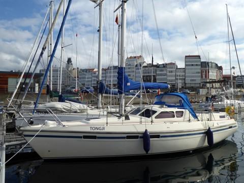 Tongj im Hafen La-Coruna