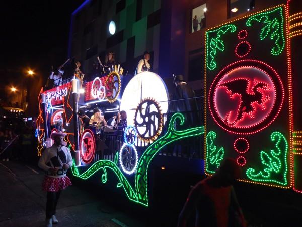 bunter Karnevaltruck