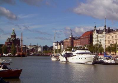 Tongji im Hafen von Helsinki