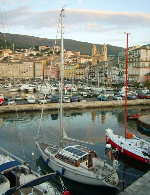 Tongji im Vieux-Port von Bastia auf Korsika