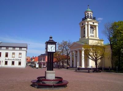 Nikolauskirche in Ventspils am Rathausplatz